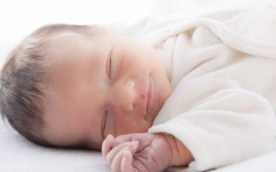 ¿Sabes si estás acostando a tu bebé de la forma correcta? 10 pasos importantes para proteger su vida.