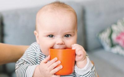 ¿Agua pura? ¿jugo? ¡qué le puedo dar de tomar a mi bebé!